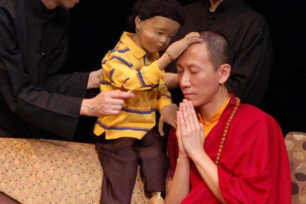 Tenzin-bless-Lama-Web