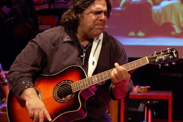 ron guitar1